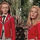 Alicia Bonet and Renata Seydel in Hasta el viento tiene miedo (1968)