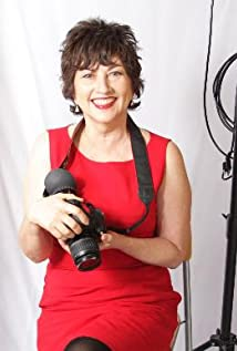 Gail Harvey Picture