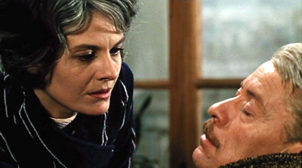 Jean-Pierre Kérien and Delphine Seyrig in Muriel ou le temps d'un retour (1963)
