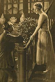 Jean Angelo and Emmy Lynn in La vierge folle (1929)