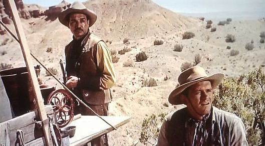 Víctor Manuel Mendoza and Dick York in Cowboy (1958)