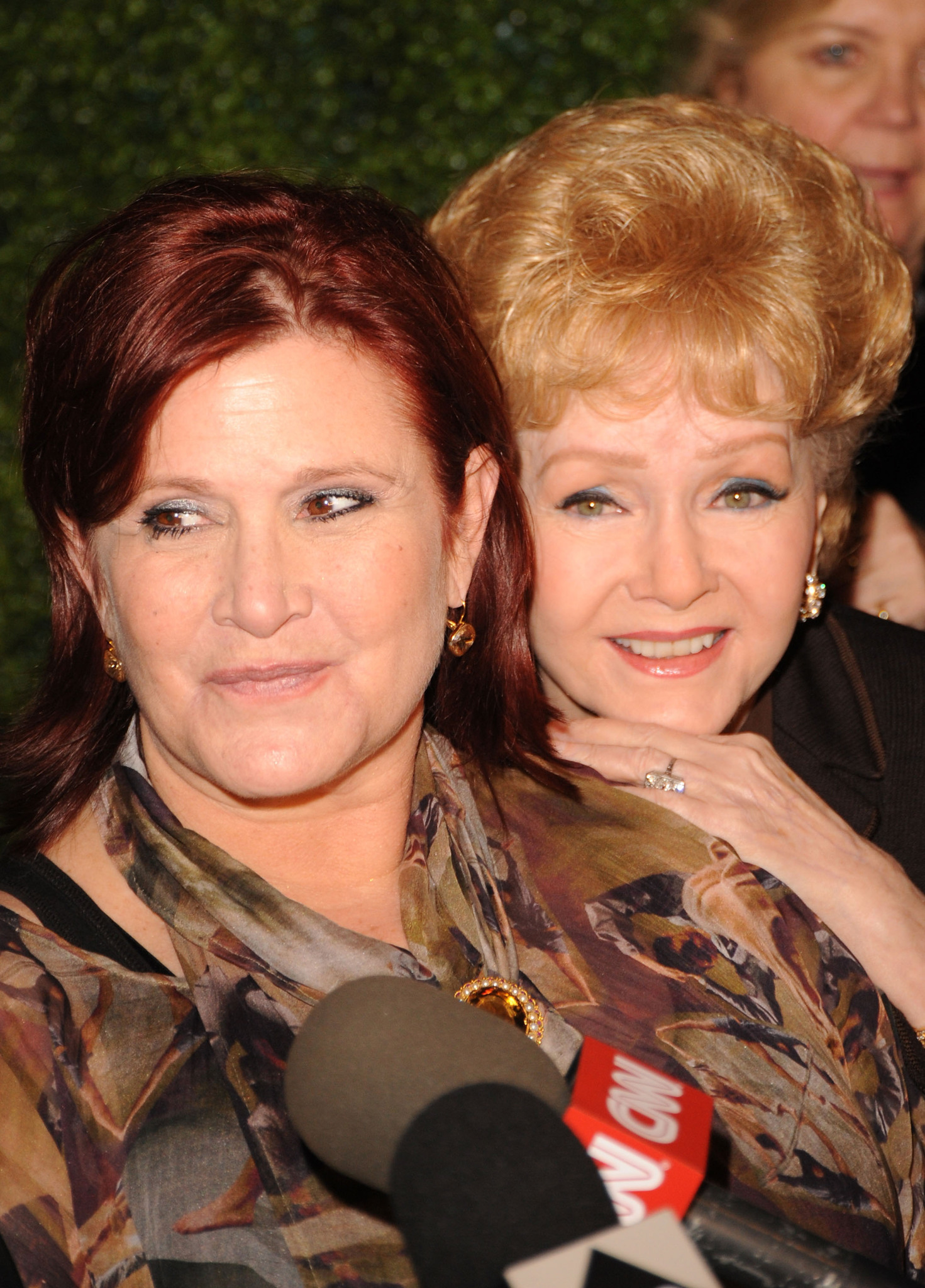 Carrie Fisher and Debbie Reynolds at an event for Carrie Fisher: Wishful Drinking (2010)