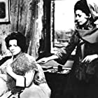 Luisa Mattioli and Sara Montiel in La bella Lola (1962)