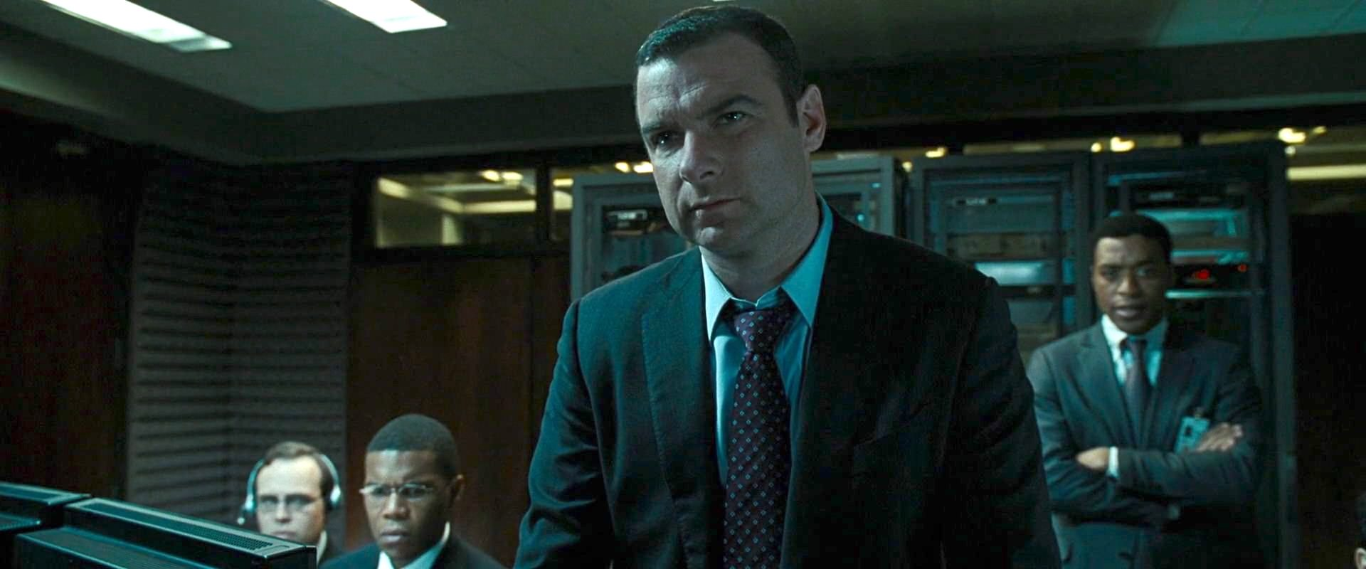 Liev Schreiber, Chiwetel Ejiofor, Kevin O'Donnell, and Gaius Charles in Salt (2010)