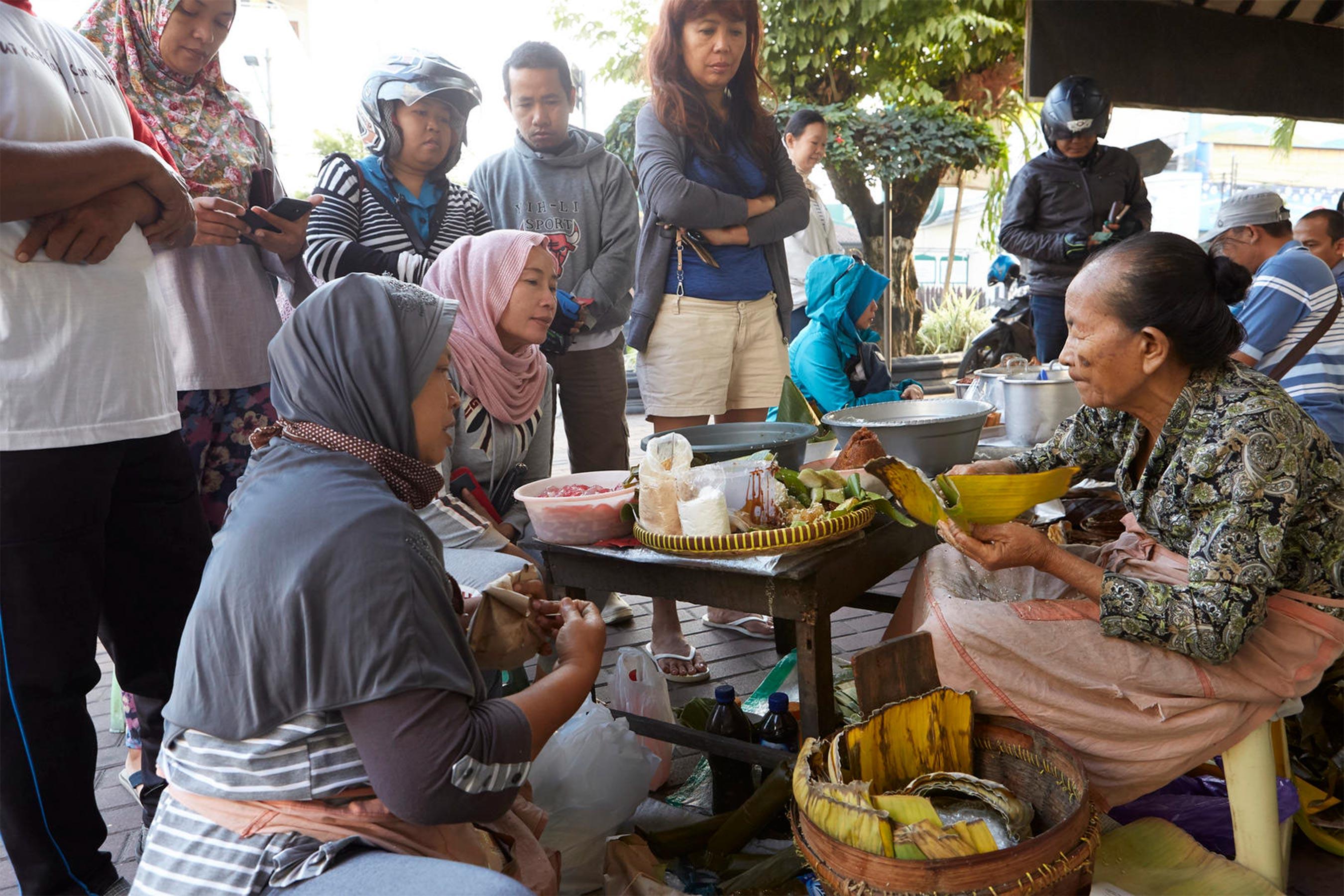 "Street Food"" Yogyakarta, Indonesia (TV Episode 2019) - IMDb"