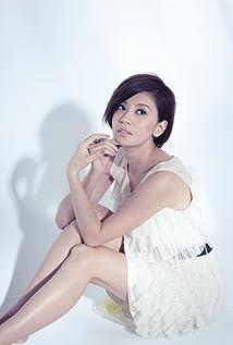 Alyssa Chia Picture