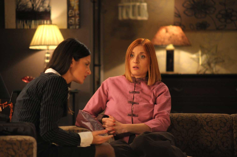 Sonja Kolacaric and Natasa Markovic in Ono kao ljubav (2009)