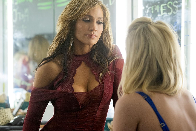 Jennifer Lopez and Lili Reinhart in Hustlers (2019)