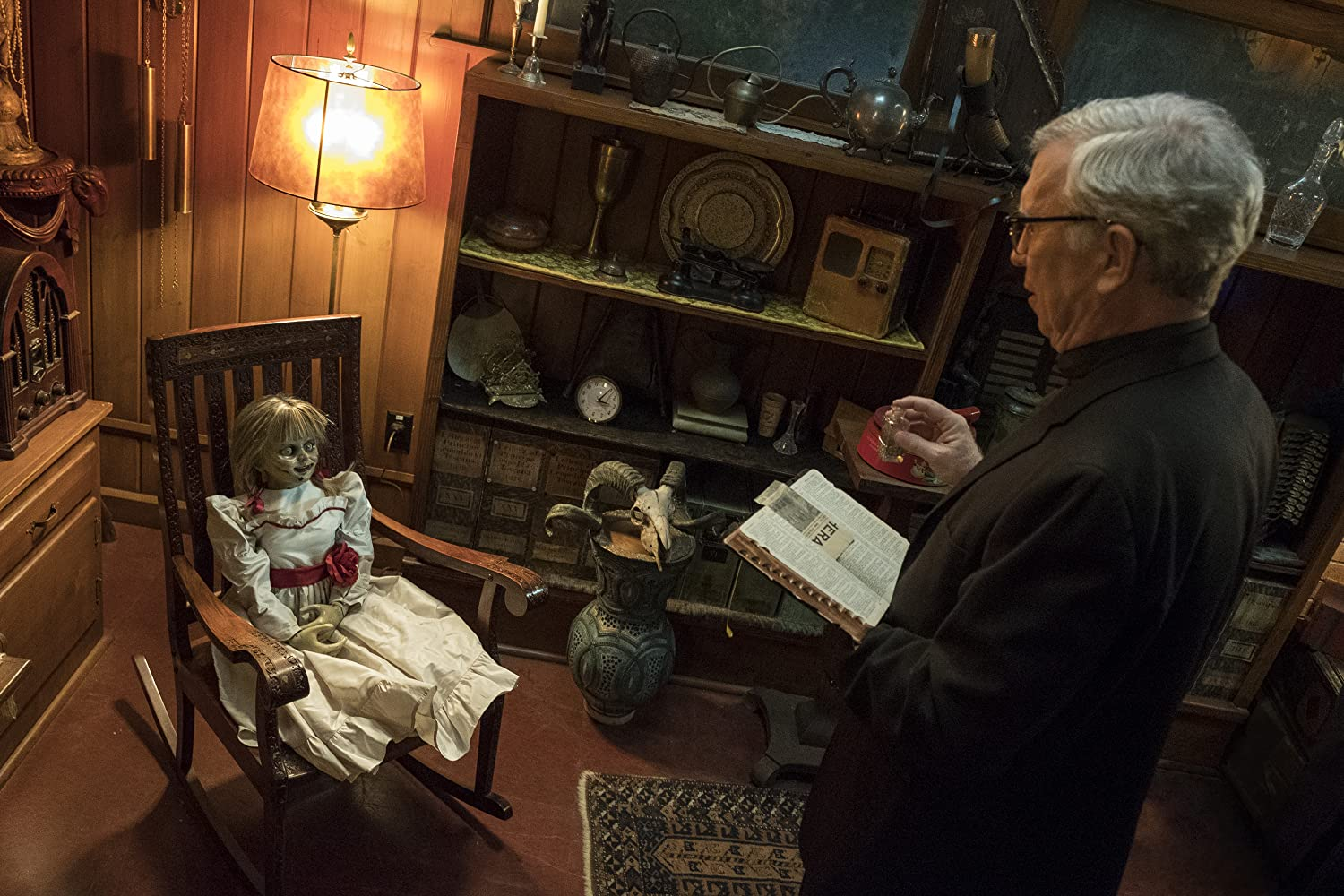 Steve Coulter in Annabelle Comes Home (2019)