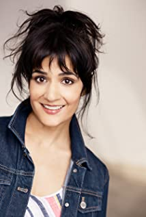 Esther Mira Picture