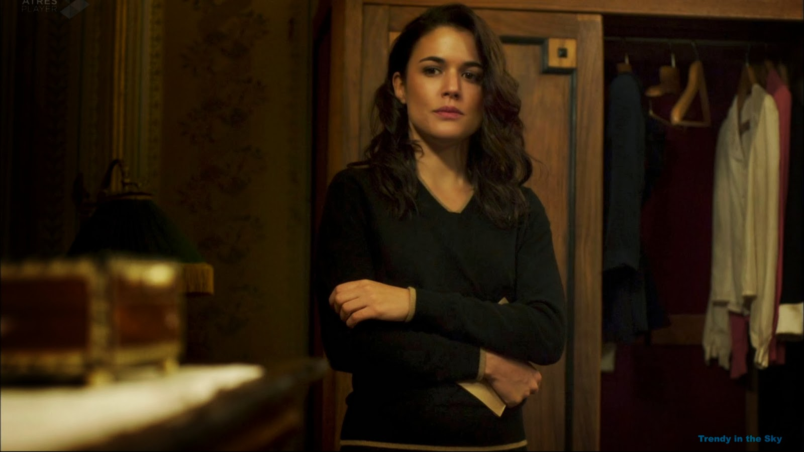 Adriana Ugarte in El tiempo entre costuras (2013)