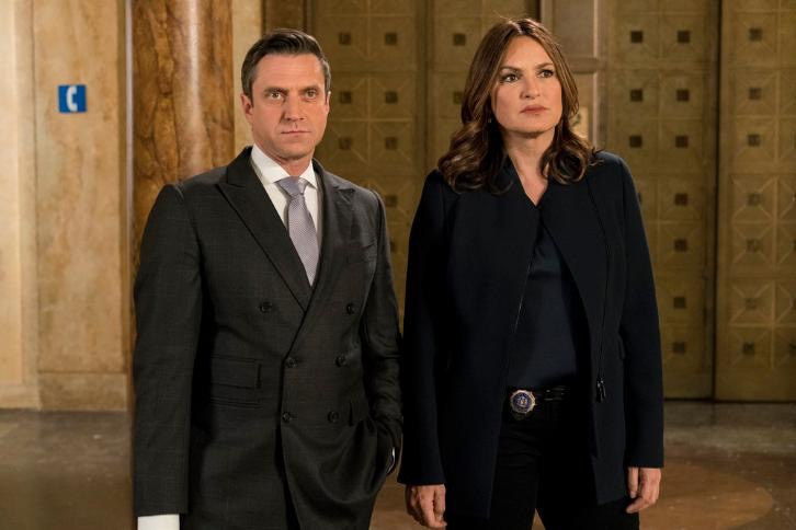 law and order svu s18e19 watch online