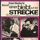 Michel Constantin and Lino Ventura in Les grandes gueules (1965)