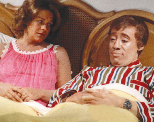 Godfrey Cambridge and Estelle Parsons in Watermelon Man (1970)