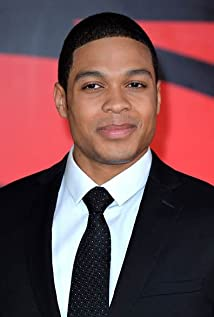 Ray Fisher Picture