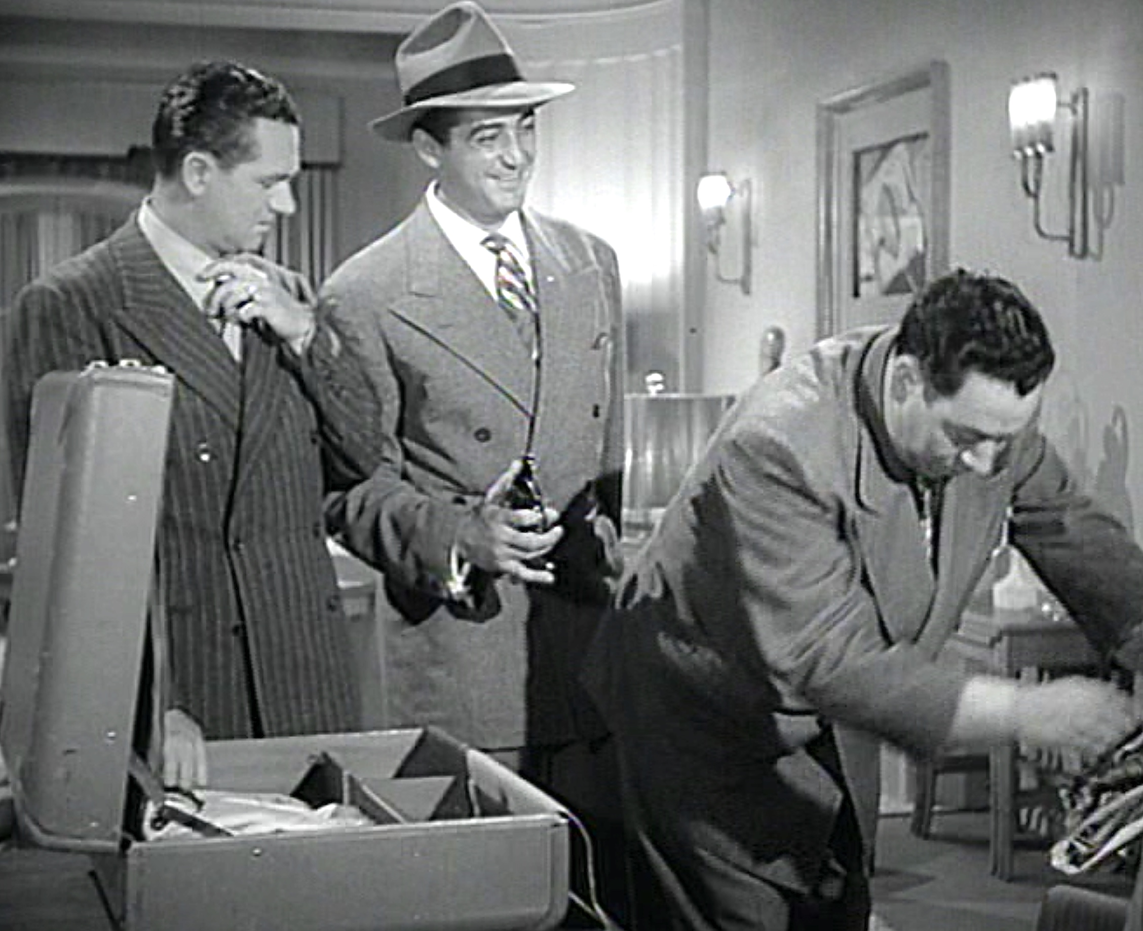 Wally Brown, Alan Carney, and Sheldon Leonard in Zombies on Broadway (1945)