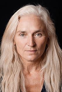 Olwen Fouéré Picture