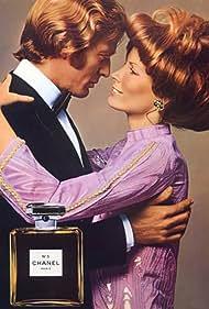 Philip English and Vicki Hilbert in Chanel N°5: Pour la première fois (2012)
