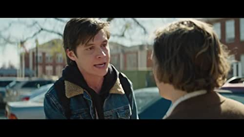 Everyone deserves a great love story. But for Simon it's complicated: no one knows he's gay, and he doesn't know who the anonymous classmate is that he's fallen for online. Resolving both issues proves hilarious, scary, and life-changing.