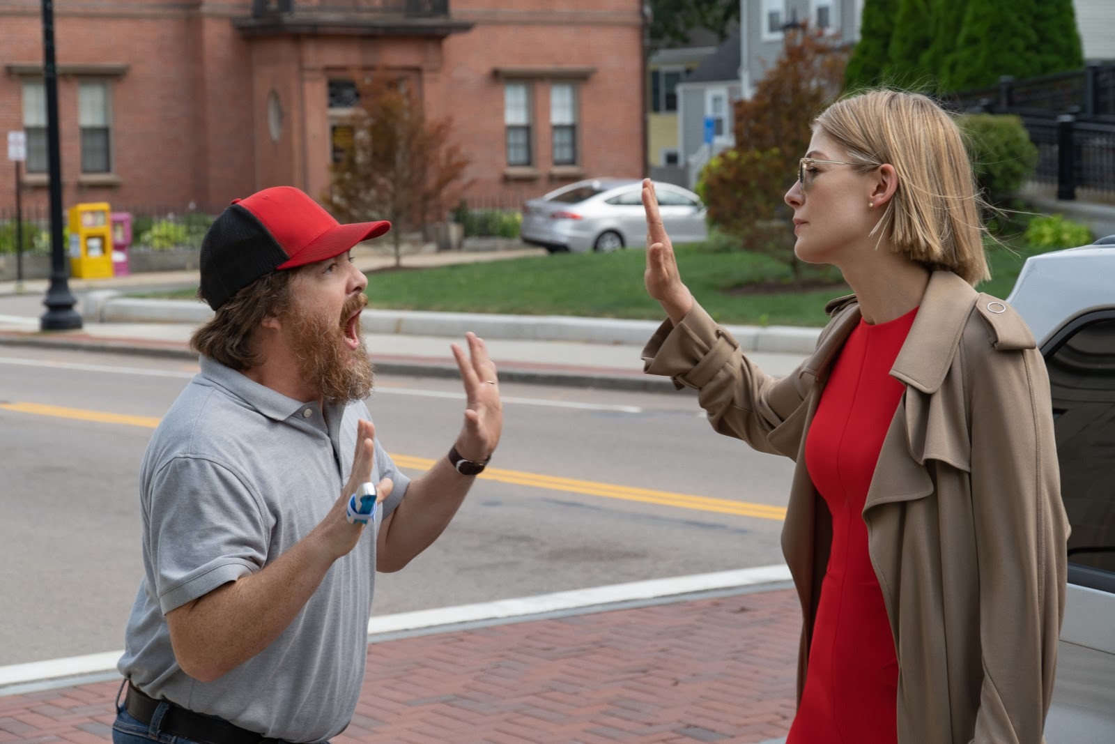 Macon Blair and Rosamund Pike in I Care a Lot (2020)