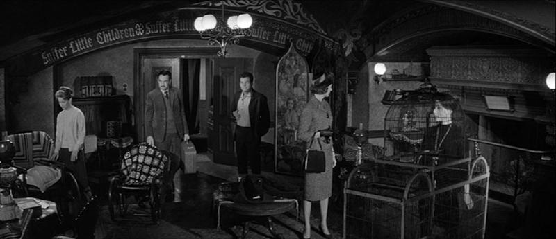 Claire Bloom, Julie Harris, Richard Johnson, Lois Maxwell, and Russ Tamblyn in The Haunting (1963)