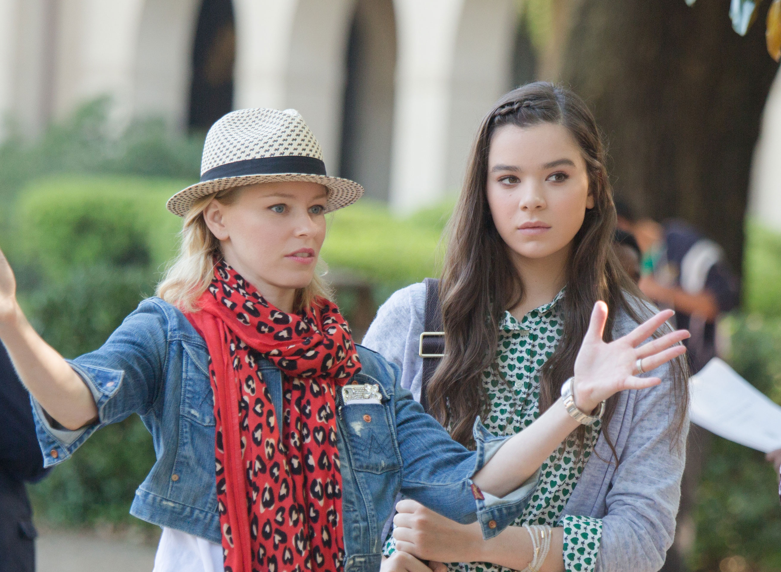 Hailee steinfeld filming pitch perfect naked (46 pics)
