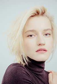 Primary photo for Julia Garner
