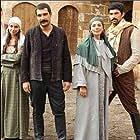 Engin Akyürek in Episode #1.14