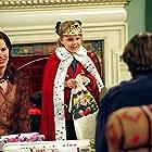Geena Davis, Peter Horton, John Francis Daley, and Makenzie Vega in The Geena Davis Show (2000)