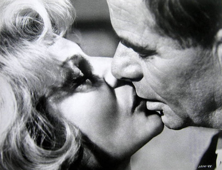 Rita Hayworth and Glenn Ford in The Money Trap (1965)