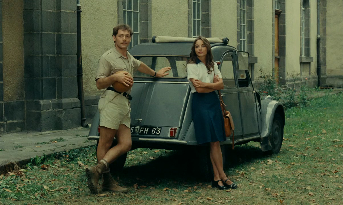 Patrick Dewaere and Christine Pascal in La meilleure façon de marcher (1976)