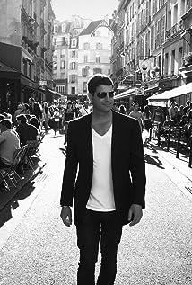 Sebastien Izambard Picture