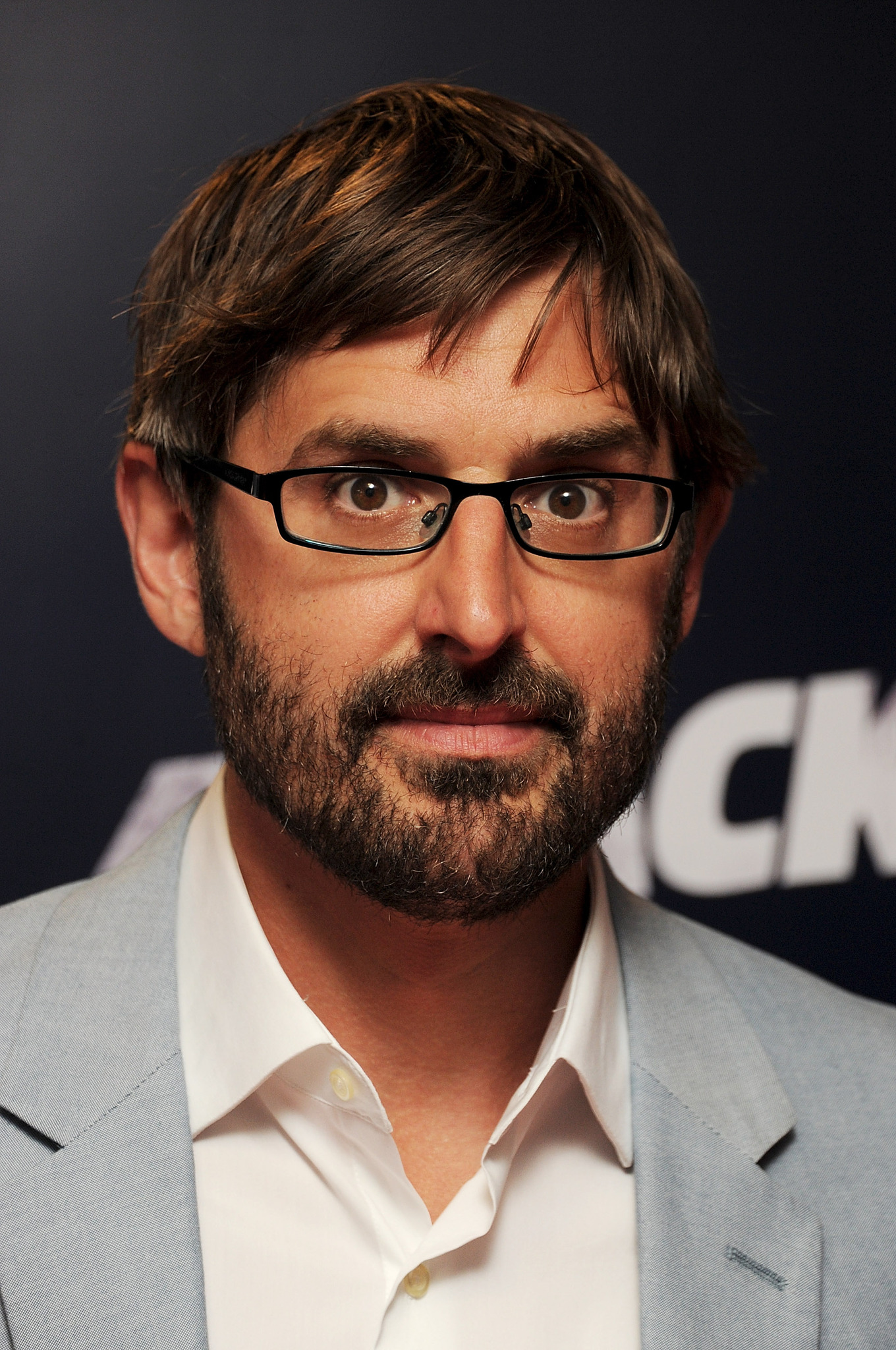 How tall is louis theroux