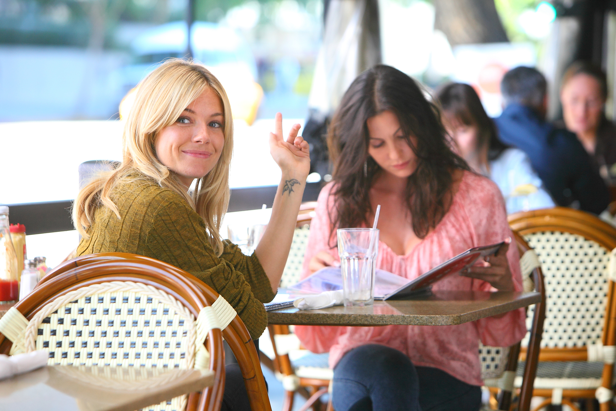 Heather Wahlquist and Sienna Miller in Yellow (2012)