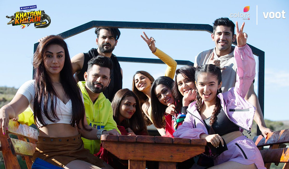 Mahek Chahal, Rahul Vaidya, Divyanka Tripathi Dahiya, Anushka Sen, Vishal Aditya Singh, Sana Makbul, Varun Sood, Nikki Tamboli, and Aastha Gill in Anushka races against a Cheetah (2021)