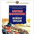 Robert Taylor and Paula Raymond in Devil's Doorway (1950)