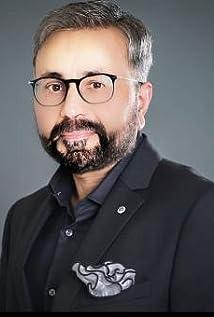Qamar Zaman Picture