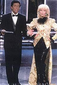 Andrea Giordana and Amanda Lear in W le donne (1984)