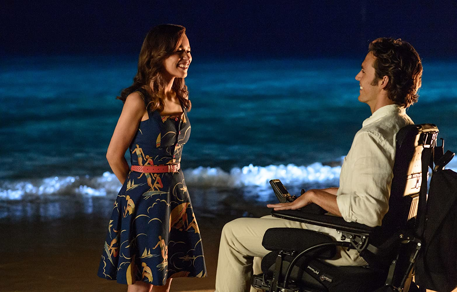 Sam Claflin and Emilia Clarke in Me Before You (2016)