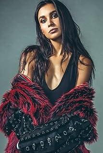 Sophia Ali Picture