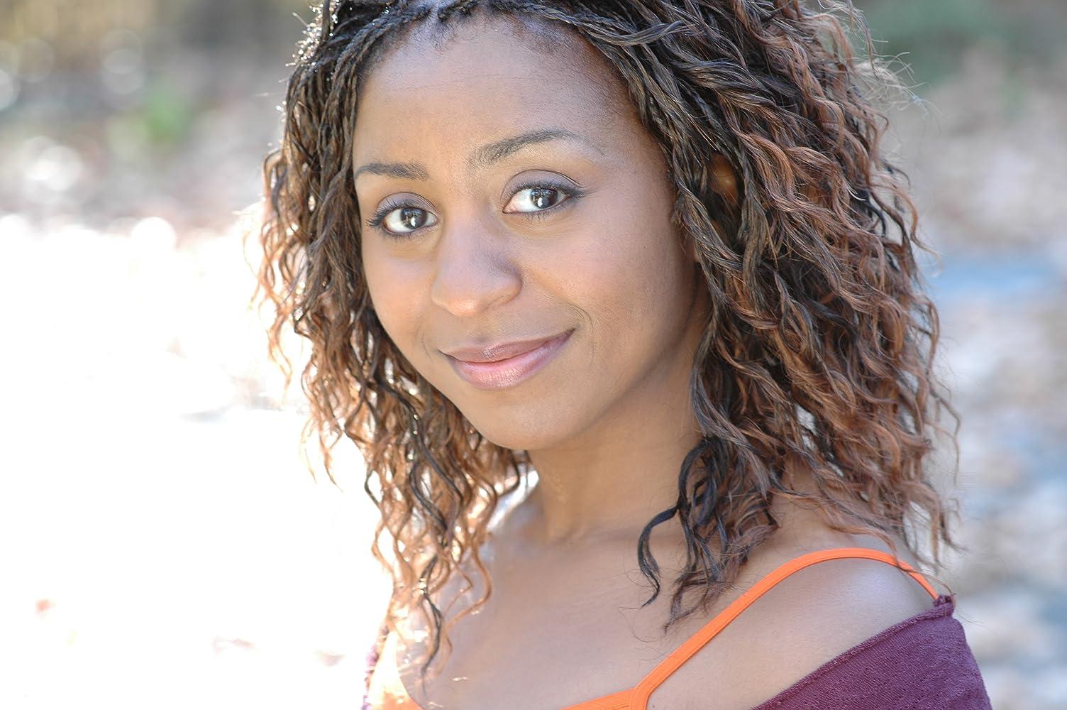 Sophia Thomas