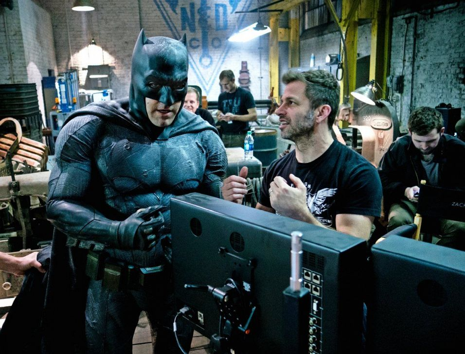Ben Affleck and Zack Snyder in Batman v Superman: Dawn of Justice (2016)