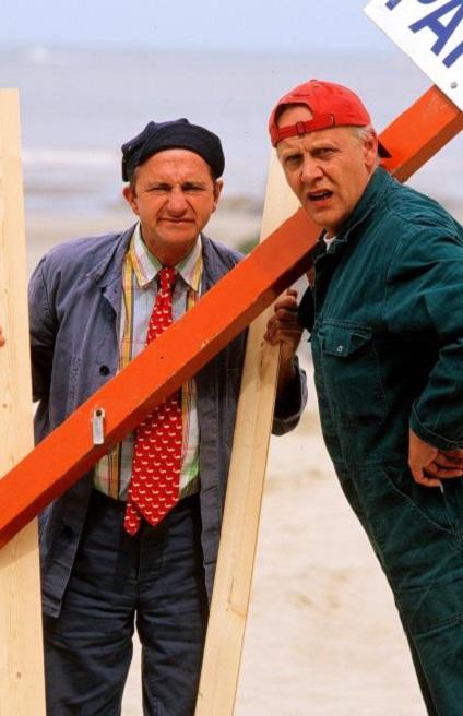 Carry Goossens and Jan Van Dyke in 2 straten verder (1999)