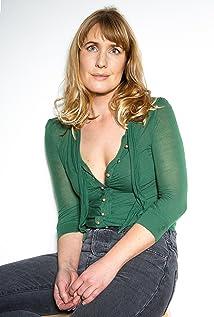 Madeleine Hutchins Picture
