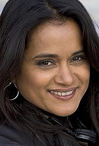 Primary photo for Veena Sud