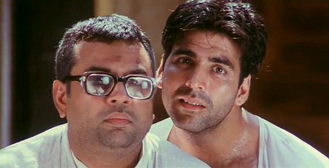 Akshay Kumar and Paresh Rawal in Hera Pheri (2000)