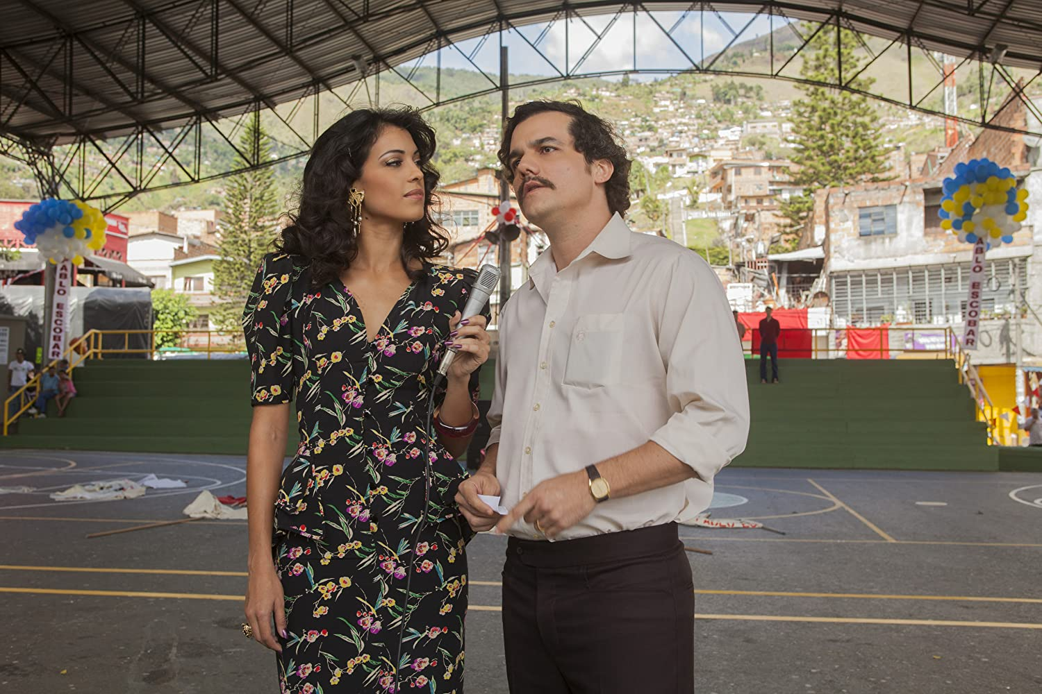 Wagner Moura and Stephanie Sigman in Narcos (2015)