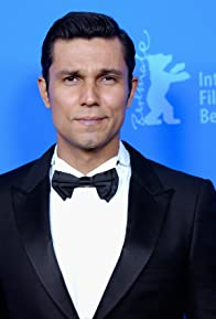 Primary photo for Randeep Hooda