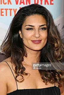 Salome Azizi Picture