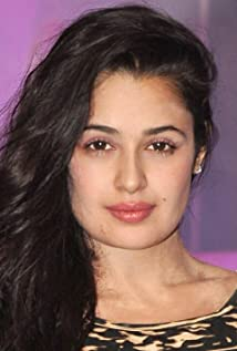 Yuvika Chaudhry Picture